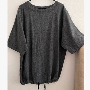Lululemon split short-sleeve sweatshirt size 6